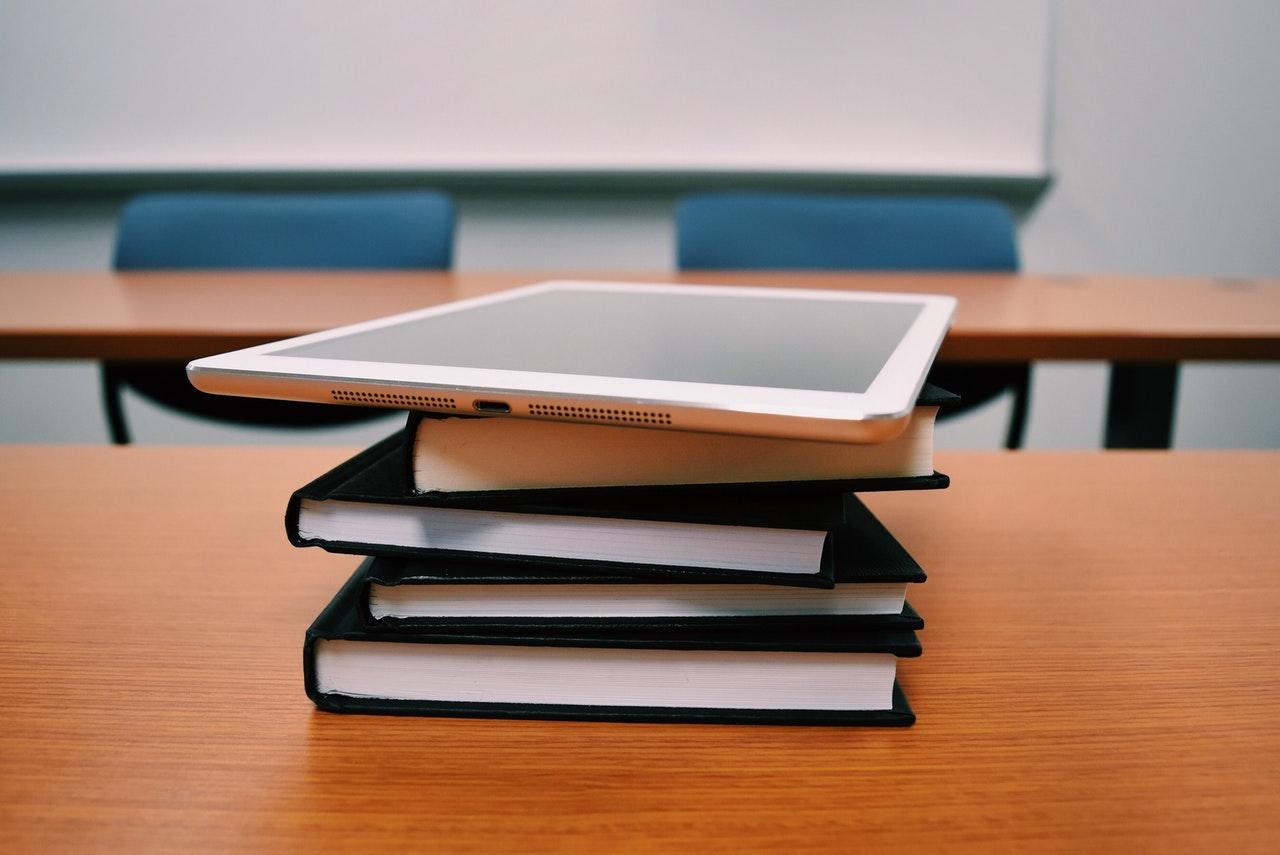 Books_Ipad-research